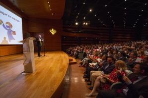 Gala del centenario del la empresa granadina HEROGRA, con la presencia de Jandro, como artista invitado. Ceremonia realizada en el salon de actos de Caja Rural de Granada